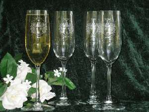 Engraved Wine Glasses Custom Made for Your Wedding
